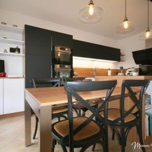 Vignette Rénovation complète d'une cuisine bois blanc et noir en Fenix