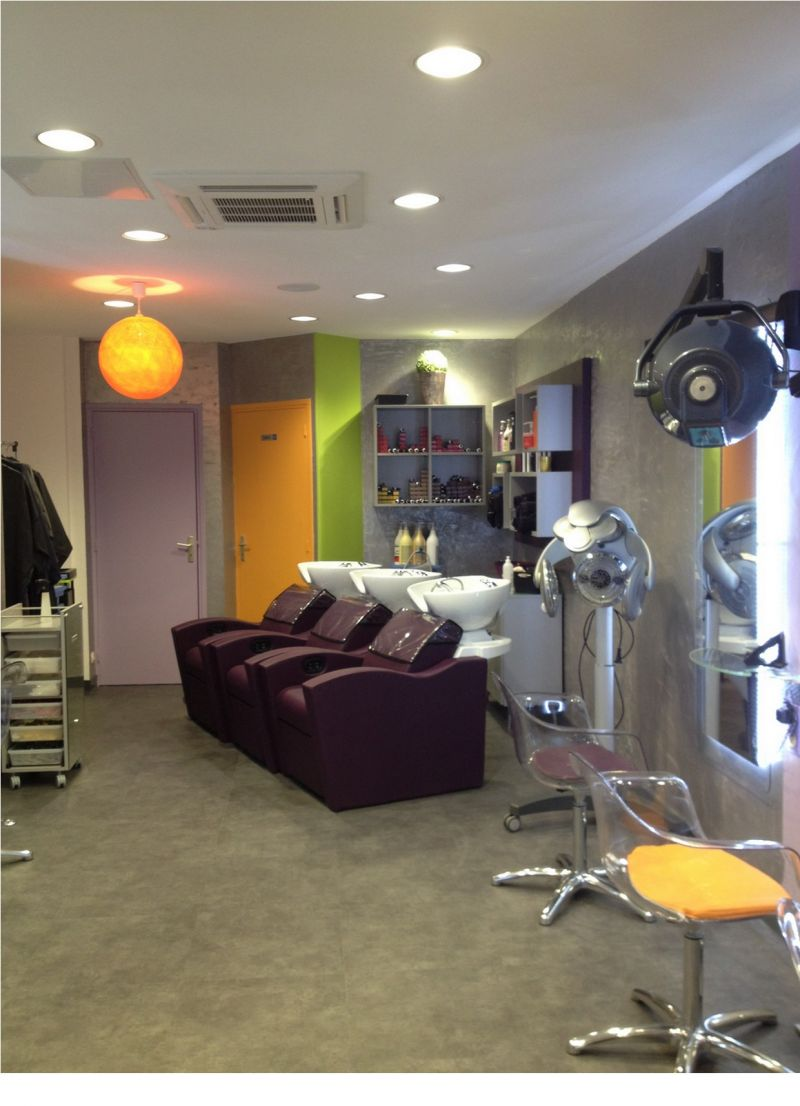 Best salon coiffure moderne contemporary for Coiffeuse moderne