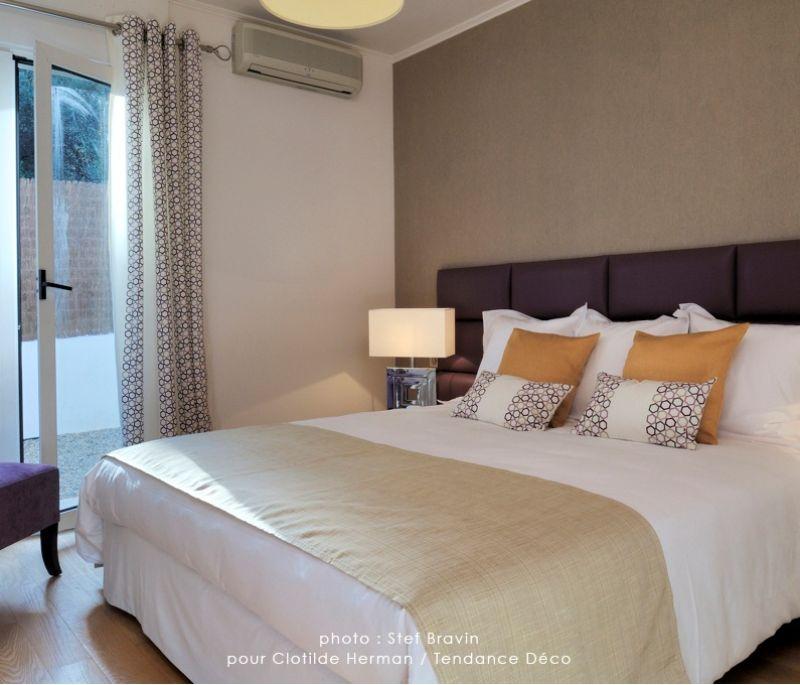 lit italienne en anglais. Black Bedroom Furniture Sets. Home Design Ideas